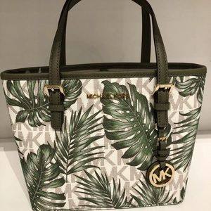 Michael Kors Jet Set Travel Palm Tote